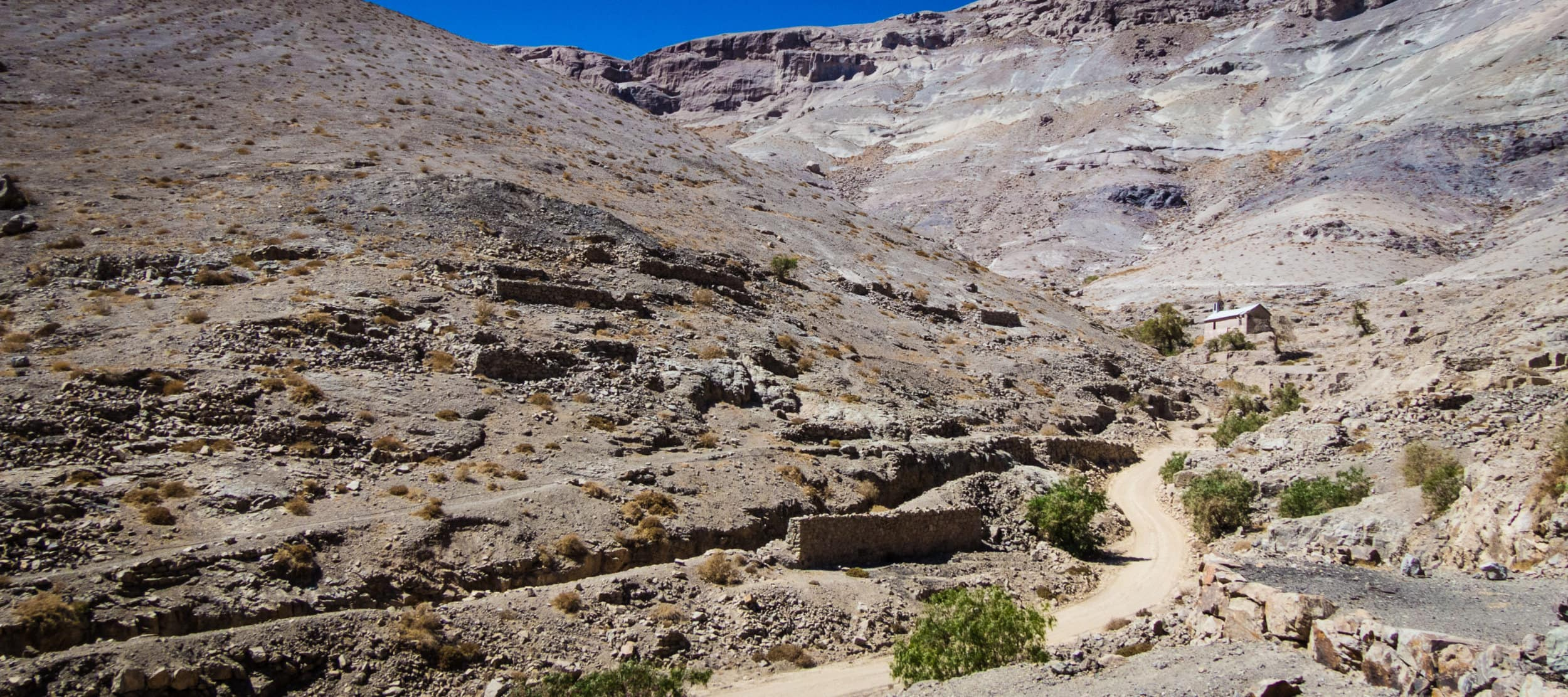 Cerro Blanco ghost mining town, Chile. Cousin Jack would have found it hot here!